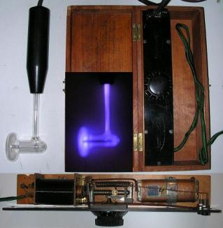 An antique violet ray machine, 20th century.