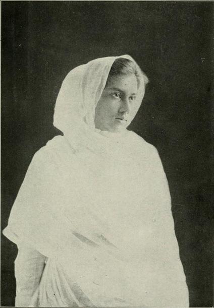 Dora Chatterjee, c.1905-10